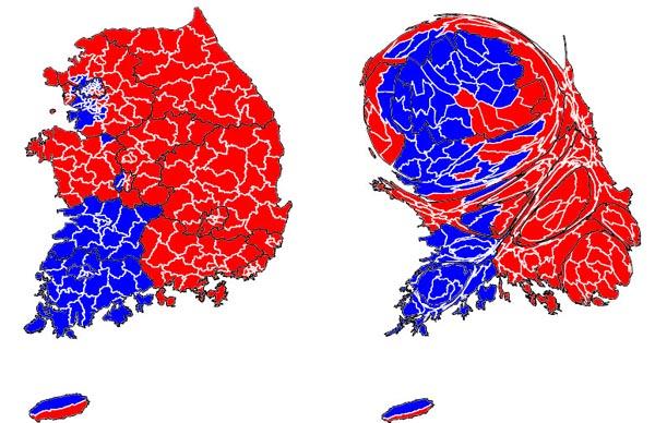 지난 2012년 12월 18대 대통령 선거 결과 지역별 1위 득표자를 표시한 지도(왼쪽)와 지역별 인구밀도를 감안해 그린 인구 비례 지도. 붉은색이 박근혜 새누리당 후보, 파란색이 문재인 새정치민주연합 후보.