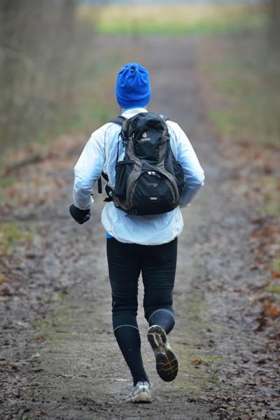운동은 암 예방에도 효과적이다. 하루에 중등도 이상의 운동을 두 시간 이상 하는 사람들의 경우, 운동을 거의 하지 않는 인구군에 비해 대장암 발병률이 거의 절반 수준 (53%)이라는 연구 결과도 있다.