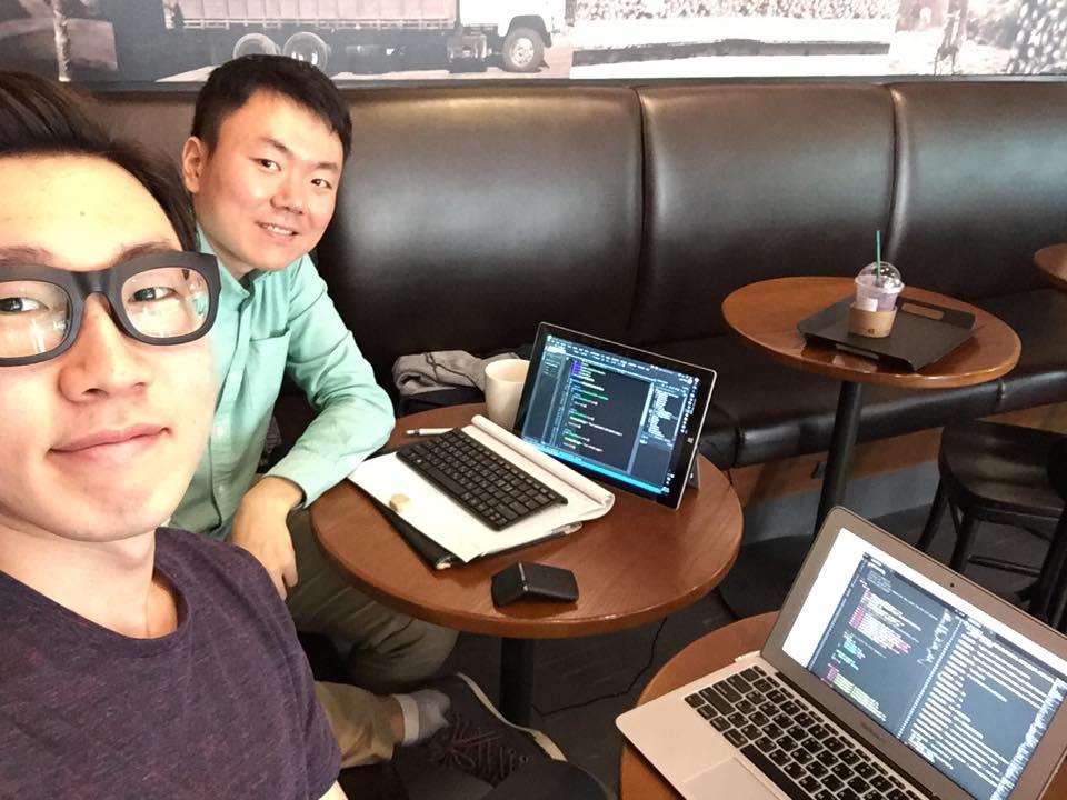 황유덕씨와 박준호씨 '히스토리 사인' 사이트는 3일 밤을 세워 완성했다고 한다.