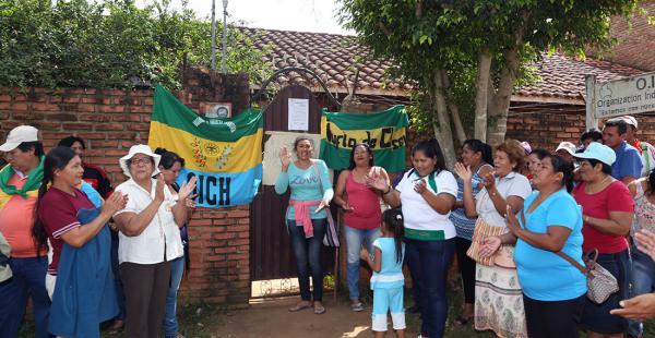 볼리비아의 전통적 자치조직인 OICH(La Organizacion Indigena Chiquitana). 외부의 간섭 없이 성장한 지역개발의 성공적 모델 중 하나다.