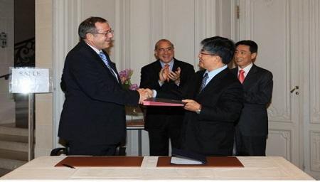 2009년 공식적으로 OECD DAC(개발원조위원회)에 가입함으로써 국제사회에서는 처음으로 받는 나라에서 주는 나라가 된 대한민국.