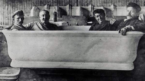 역대 미국 대통령 중 덩치가 가장 큰 편이던 윌리엄 태프트 대통령의 욕조. 특별주문제작된 이 욕조의 길이는 2.1m, 너비는 1.04m에 달하며 성인 네 명은 거뜬히 들어갈 수 있다.