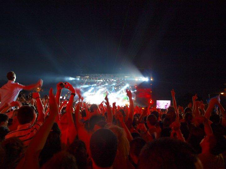 매년 가장 왕성한 활동을 펼친 유명 뮤지션들은 한여름 몰타를 방문한다. 수도 발레타에서 열리는 몰타 MTV 페스티벌 현장.