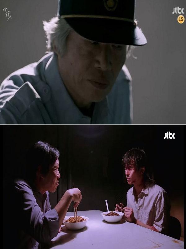JTBC <송곳> 중 한 장면. 젊은 날 자신을 고문한 담당 형사와 마주한 구고신은 패닉 상태에 빠지고 만다.