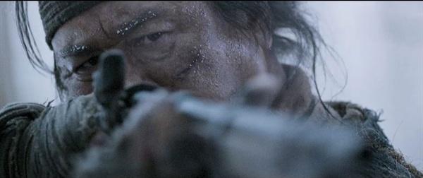 영화 <대호>의 한 장면. 실제 역사에서도, 일제는 군 병력과 조선 사냥꾼을 앞세워 조선의 호랑이들을 소탕했다.
