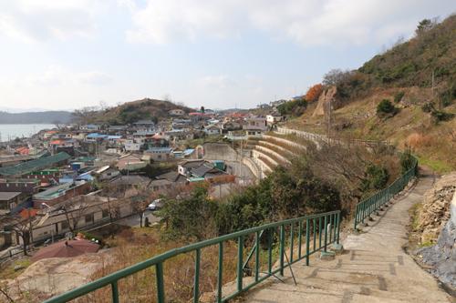 '조금새끼'들이 사는 다순구미 마을. 유달산 자락 끄트머리에 옹기종기 모여 있다.