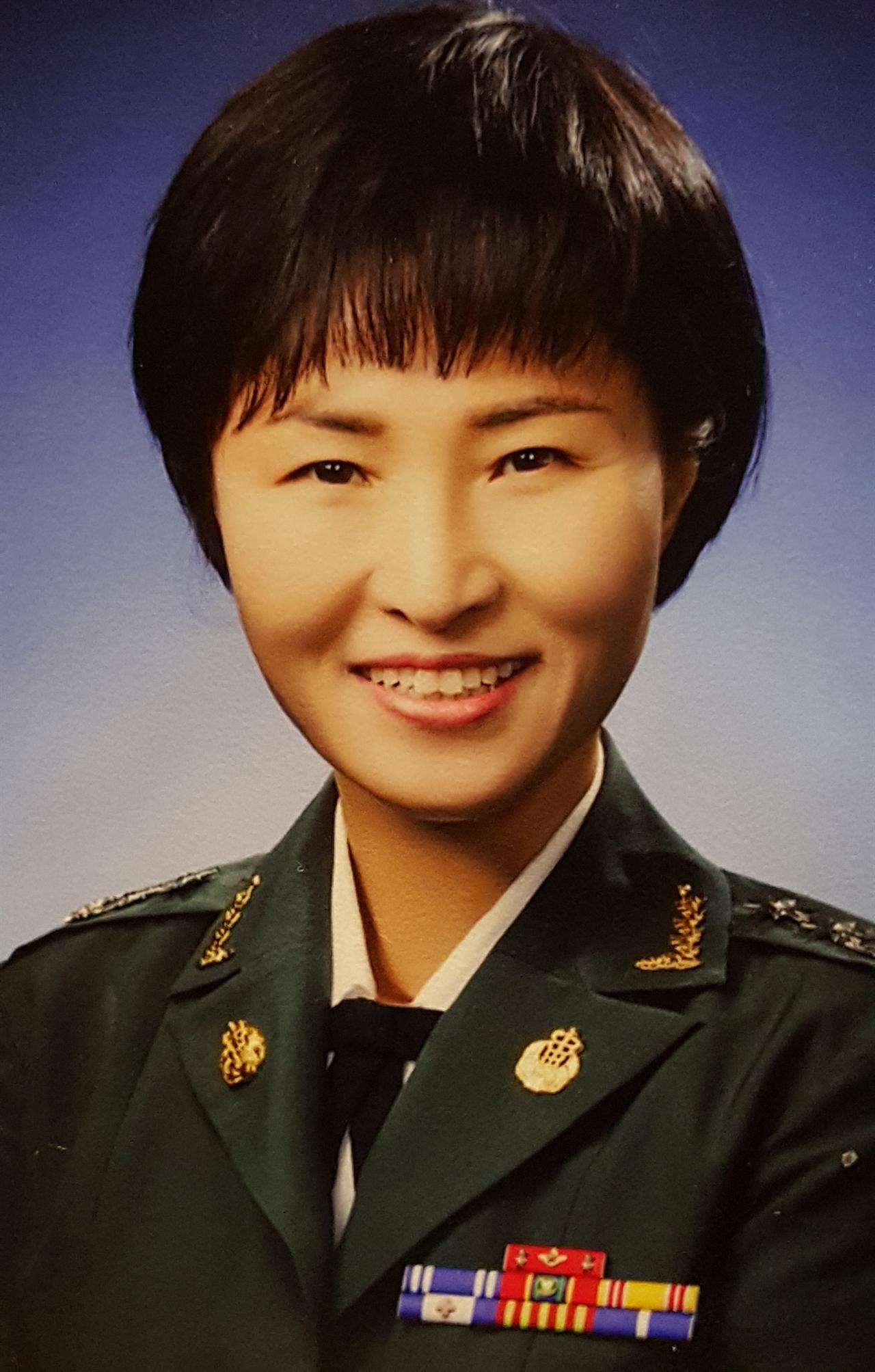이종명 대위 이종명씨가 간직한 한국간호장교시절의 사진