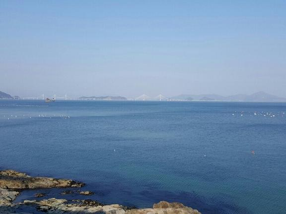 매미성에서 바라 본 바다.