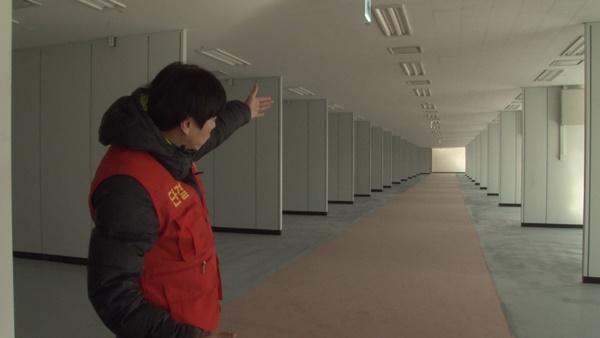 건어물판매장 내부의 소비자 통로 (사진 : 칼라TV)