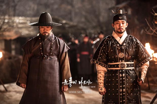 <육룡이 나르샤>의 정도전(김명민 분)과 이방원(유아인 분).