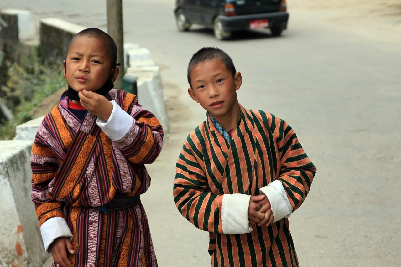 부탄의 개구장이들 트롱사에서 만난 부탄 아이들