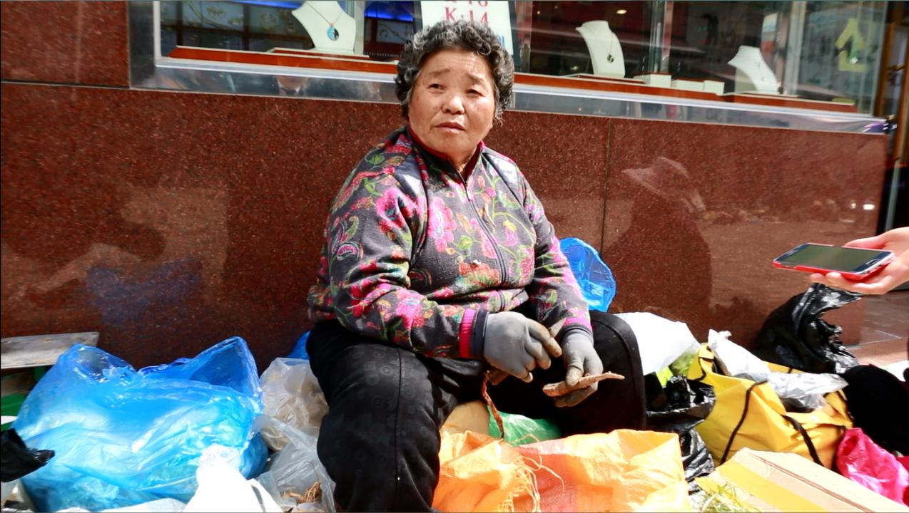 """김창순(76) 씨는 """"누가 나오든지, 1번만 찍으면 된다""""고 말했다."""