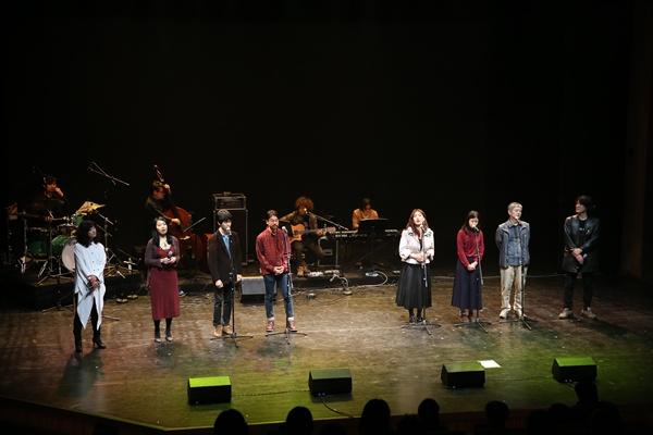 4월 11일, 세월호 참사를 추모하는 콘서트가 서울남산국악당에서 열렸다. 이날 콘서트에는 '다시, 봄 프로젝트' 참여팀인 정민아, 김목인, 도마, 사이, 차현, 황현산 교수, 하이미스터메모리, 조동희, 권나무, 강승원, 말로와 국악팀, 뮤지션유니온 등 68명의 음악가들이 무대를 빛냈다.