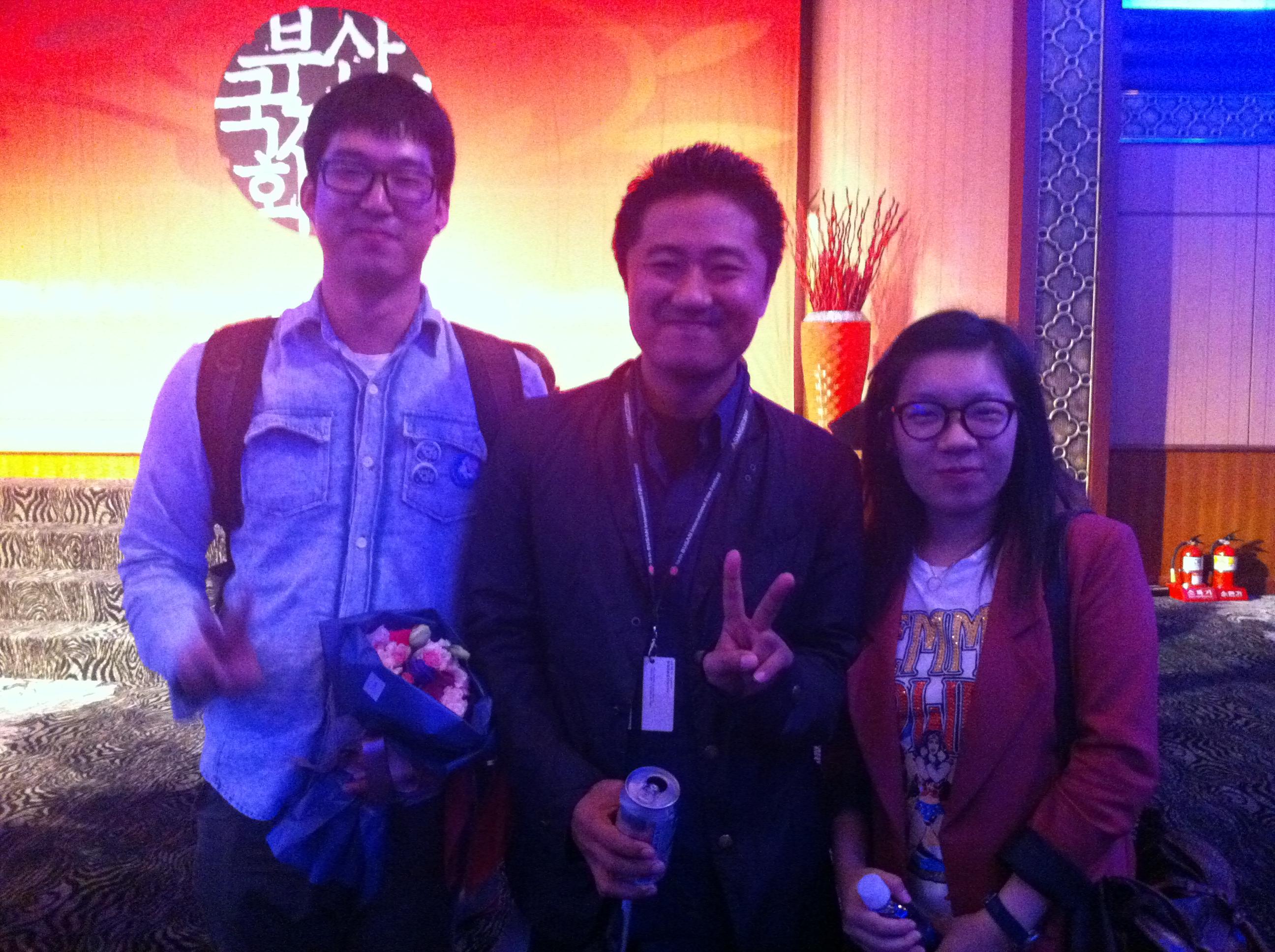 2011년 <나비와 바다> 상영 때 영화를 관람한 일본의 소다 카즈히로 감독(중앙)과 함께.