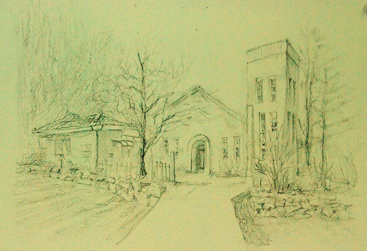 정승각 작가는 경기도 성남에 있던 아파트를 팔고 시골 교회 예배당과 안채 건물을 사서 이주했다. 두 곳 모두 작업실로 쓰고 있다. 연필로 스케치했다.