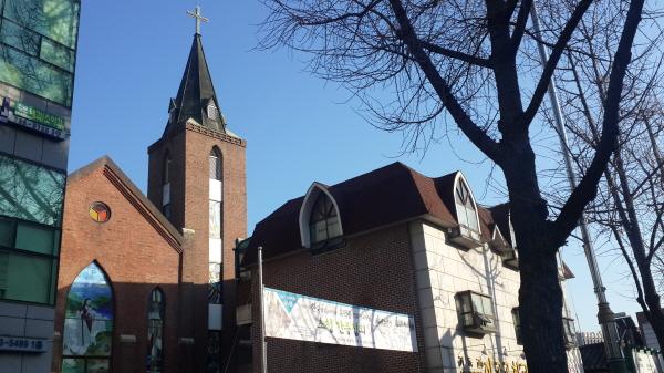 배화여고, 종교교회 등과 함께 여선교사 캠벨에 의해 시작된 자교교회