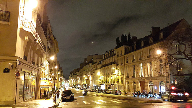 파리의 밤거리, 뤽상부르 공원 근처