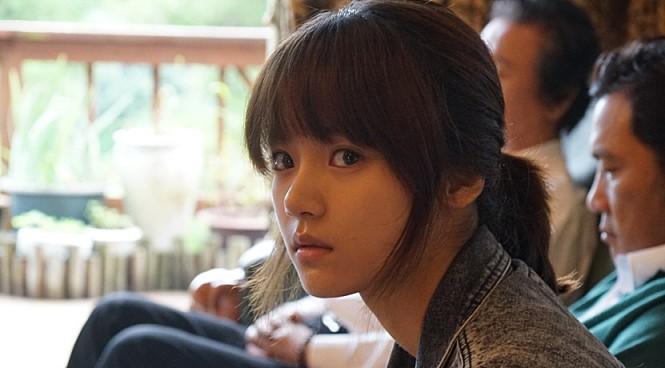 <그랜드 파더>로 장편 신고식을 치른 배우 고보결은 이 영화의 또 다른 수확이다.