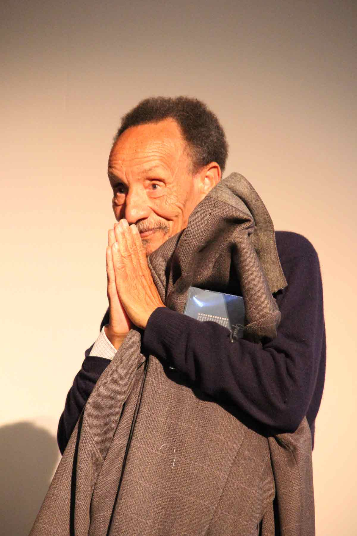 피에르 라비 우리의 정신적 지주인 피에르 라비가 옆동네에 컨페런스로 왔을 때, 그린우이 회원들과 함께 찾아갔다. 그 날 400석의 영화관이 만석이었다.