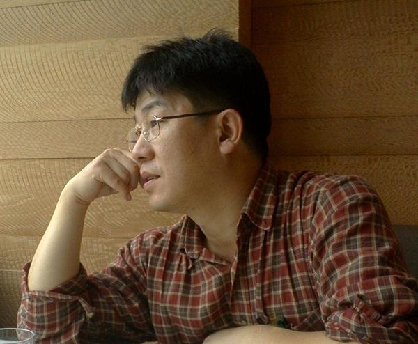 <서울, 젠트리피케이션을 말하다> 공동 편저자인 신현준 성공회대 동아시아연구소 교수. 음악평론가이자 대중음악 연구자로 잘 알려져 있다.