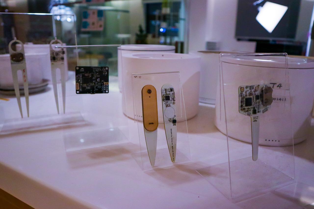 플랜토 엔씽에서 만든 스마트화분용 센서