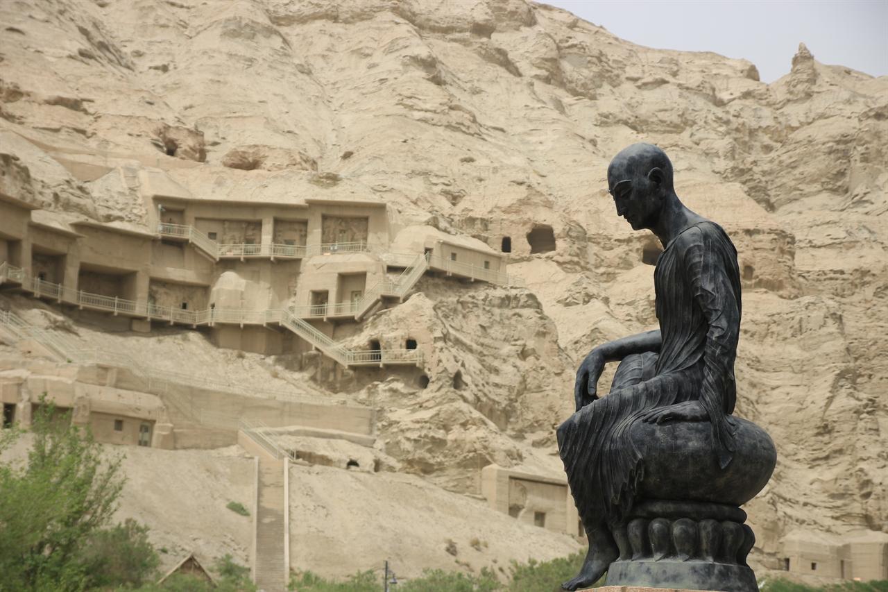 중국 키질석굴 쿠처에 위치한 석굴사원