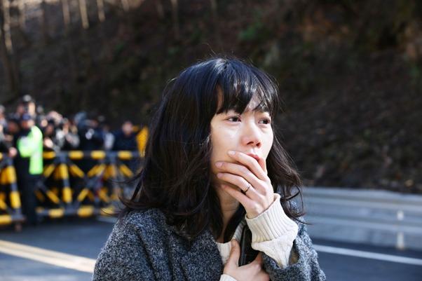 배두나는 <터널>에서 하정우의 아내 역으로 호연했다.