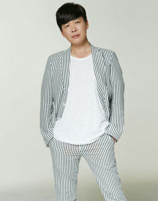 두번째 싱글앨범 '눈물잔' 발표한 가수 김영남.