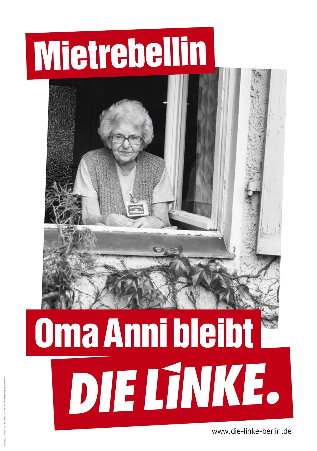"""좌파당의 선거 포스터 중 주거 관련 테마. 임대료 반항아. """"애니 할머니는 (지금 살고 있는 집에) 남는다."""" 이 포스터는 베를린 라이니켄도르프Reinickendorf에서 세입자 투쟁을 한, 이제는 하나의 상징이 된 95세 애니 렌즈(Anni Lenz)의 모습을 담았지만 사진을 사용하에 대한 동의를 하지 않은채 사용했다가 논란이 있었다. 게다가 애니 렌즈는 오랜 세월 좌파당이 아닌 사민당을 찍어온 것으로 기사를 통해 밝히면서, 앞으로도 계속 사민당을 뽑을 것이라고 밝히기도 하며 곤욕을 치르기까지 했다."""