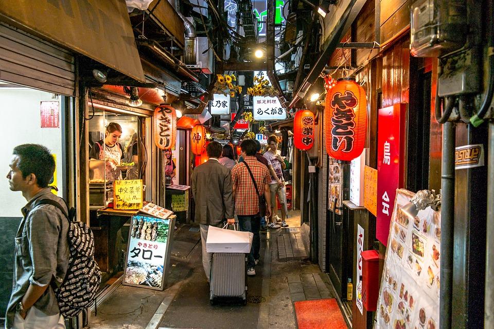 선택권이 있다면 한국과 일본 중 어디를 택할까.