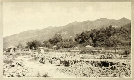 영국 <데일리 메일>의 매켄지 기자는 1907년 일본군의 공격으로 폐허가 된 제천을 사진과 함께 보도했다.