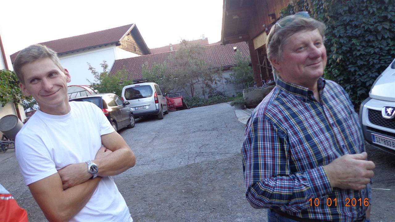 오스트리아  오스트리아 로트홀츠마을의 가족농 : 발터 크레디씨 농장주와 후계농   발터 주니어