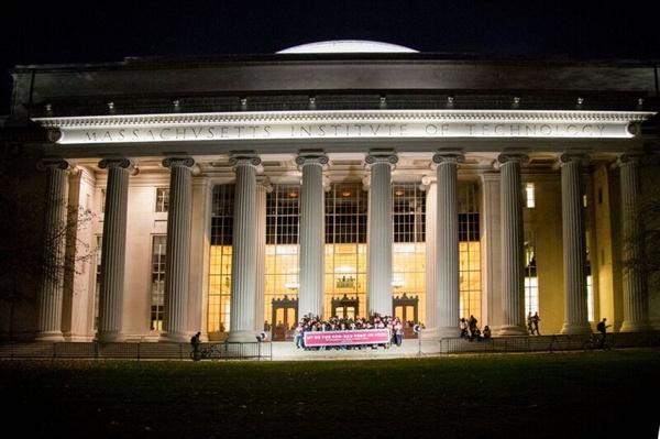 MIT 학생들이 대한민국의 민주주의 파괴에 우려를 표하면서 지난 11일 시국선언을 발표했다.