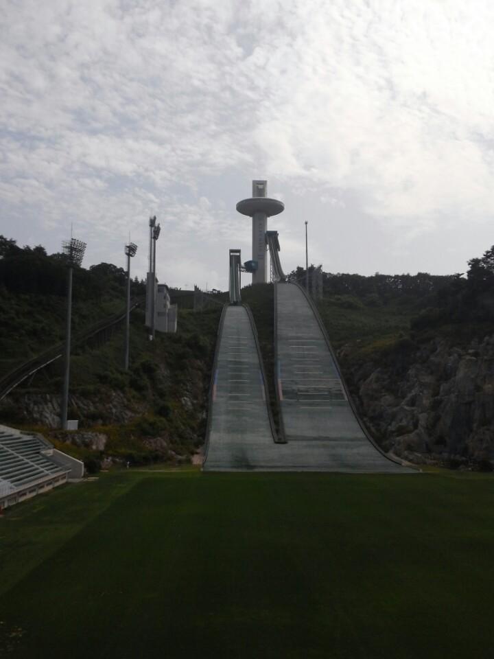 평창 올림픽의 스키점프 경기장인 알펜시아 스키점프대 모습.