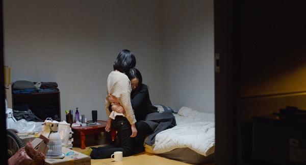 영화 <연애담>의 한 장면. 동시대성을 가진, 가장 보편적인 이야기이다.