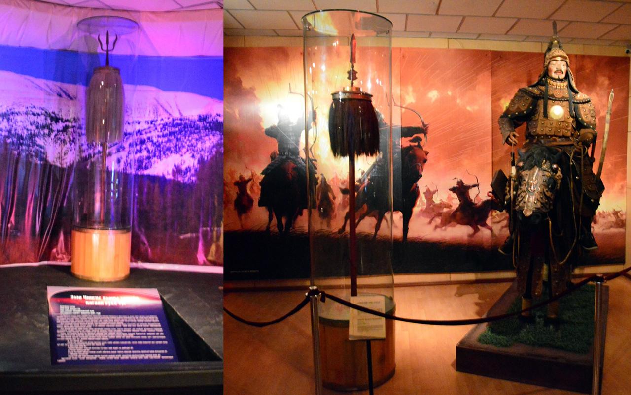 몽골제국의 백기와 흑기. 몽골 군대의 상징인 흑기를 따라 몽골기병들이 전진하고 있다.
