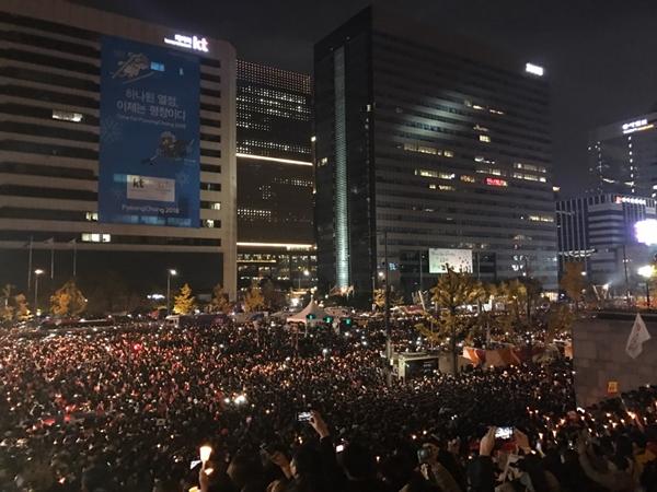 11월 12일 전국에서 100만의 촛불이 타올랐다.