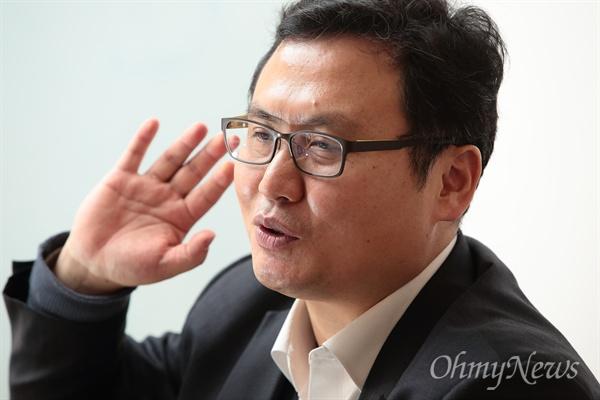 <최순실과 예산 도둑들>(출판사 답)을 출간한 예산낭비감시운동 전문가 정창수 나라살림연구소장.