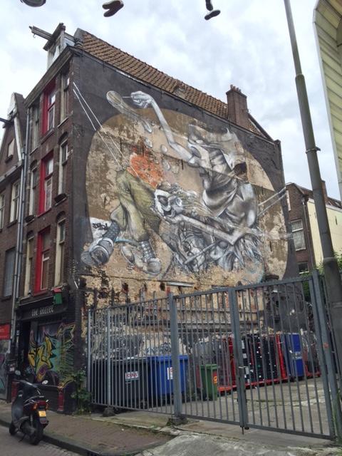 암스테르담 골목을 걷다 마주친 벽화