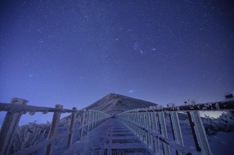 대청봉 야경 성탄전야 별빛아래 대청봉