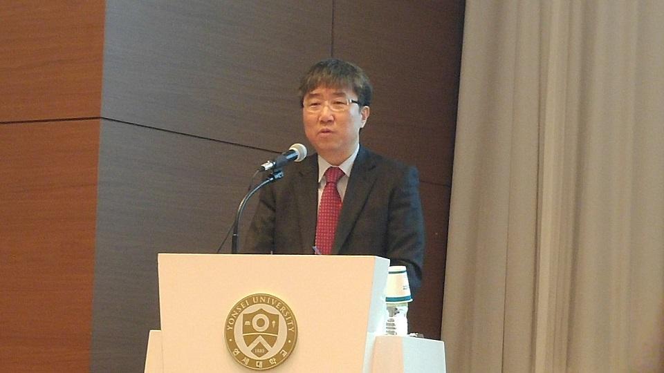 장하준 영국 케임브리지대 경제학과 교수가 지난 2016년 12월 23일 연세대 동문회관에서 '더불어 함께, 대한민국 경제'를 주제로 강연했다.