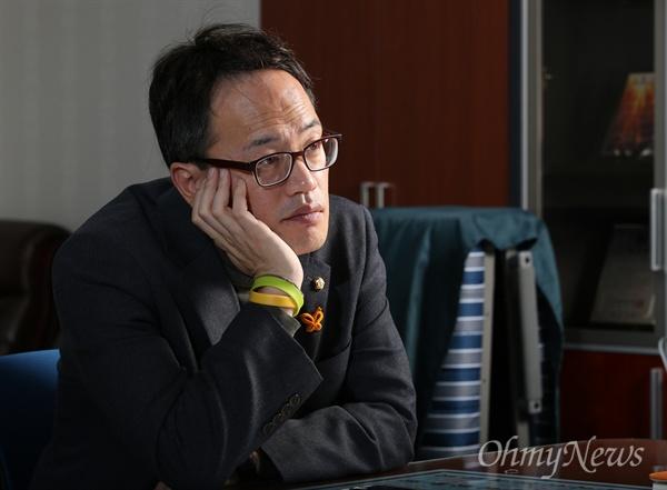 세월호 참사 1000일을 사흘 앞둔 지난 6일 국회 의원회관에서 박주민 더불어민주당 의원을 만났다.