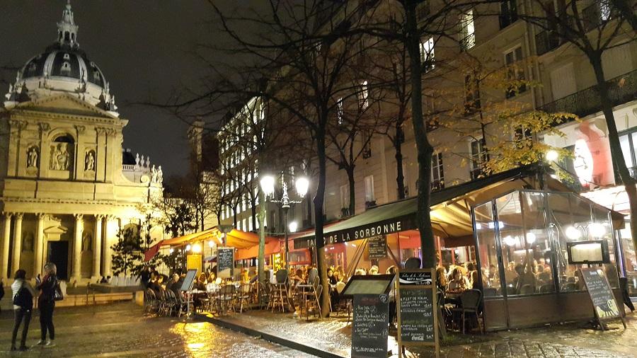 파리, 소르본 대학 앞 광장