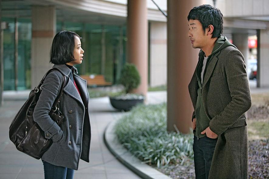 영화의 두 주연배우 전도연과 하정우. 그리고 이윤기 감독. <멋진 하루>는 감독뿐만 아니라 두 배우에게도 큰 의미로 다가왔을 것이다. 그들의 조합을 다시 보고 싶다.