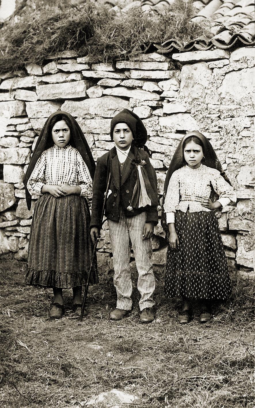 파티마의 세 목동 왼쪽부터 루시아, 프란시스쿠, 히야친타