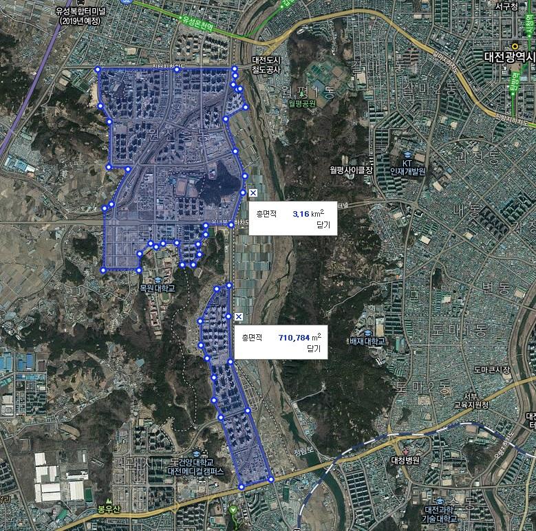 만년교 상류 - 2011년 홍수의 원인으로 지목된 서남부 개발부지 대규모 농경지가 현재는 도시고 바뀌었다. 비가오혐 많은 양의 물이 하천으로 유입될 수 밖에 없다.