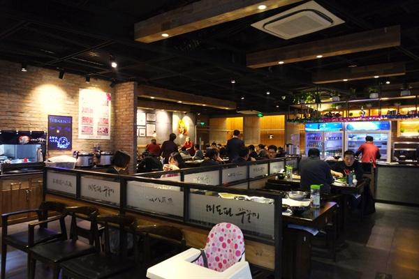 베이징 시내에 자리한 한식전문식당 미도파. 한한령에도 중국인들이 이곳을 찾아 한국음식을 즐기고 있다.