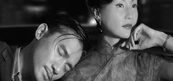 영화 <화양연화>에서 사랑했던 연인 쑤리쩐 주인공 저우는 아직 그녀를 잊지 못하고 있다. 그리고 그 기억은 치명적이다.