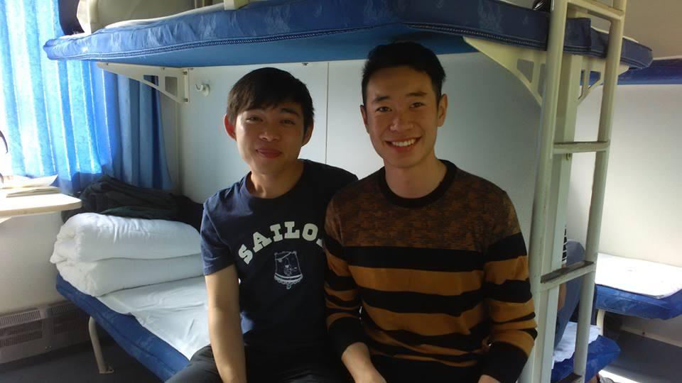 열차에서 밥을 먹게 해준 고마운 두 청년.