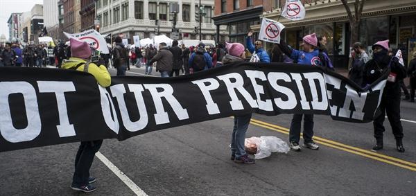 지난 1월 미국 워싱턴에서 벌어진 반 트럼프 시위.